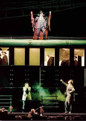 Faust: la mise en scène qui tue!
