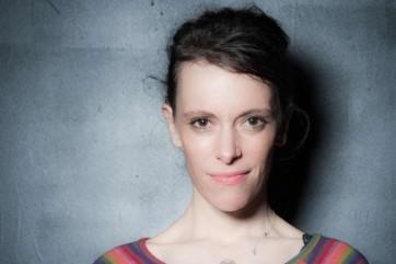 Emily Loizeau, auteur-compositrice-interprète.