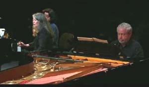 Cheveux grisonnants … Au(x) piano(s), ils ont 20 ans …