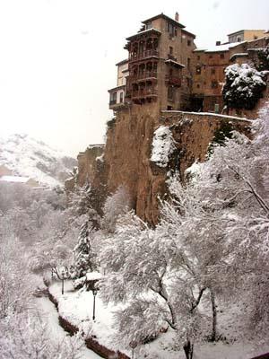 casas_colgadas_nevadas