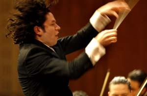 Gustavo Dudamel enflamme Pleyel