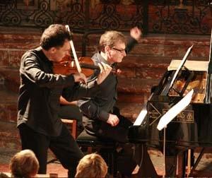 La transmutation des instruments à cordes par la musique