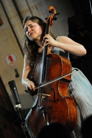 Impressionnante maturité d'une jeune prodige du violoncelle