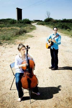 Cello y guitarra
