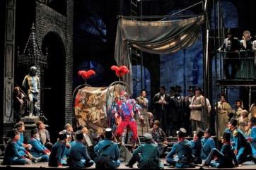 Faust, traditionnel mais envoûtant