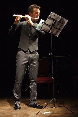 Aux confins du jeu musical de la flûte