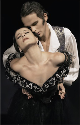 Tereza Podarilova and Jiri Kodym as Tatjana and Onegin in Onegin