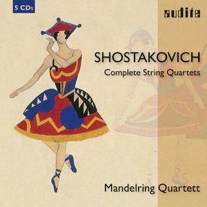 21411 Booklet Shostakovich.indd