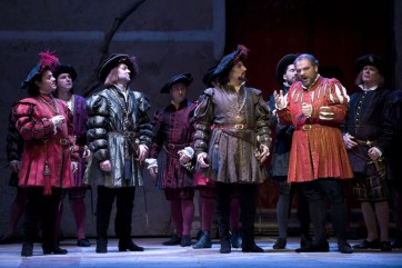 Vincent Delhoume (Matteo Borsa), Alexande Duhame (Ceprano), Florian Sempey (Marullo) & Zelko Lucic (Rigoletto) © Opéra national de Paris / Christian Leiber