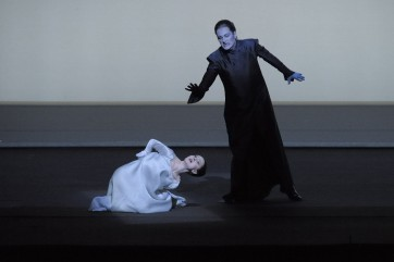 Elena Tsallagova (Mélisande), Vincent Le Texier (Golaud) © Opéra national de Paris / Charles Duprat