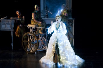 "Opera Comique 2011-02"" Cendrillon "" de Jules MassenetDirection musicale, Marc MinkowskiMise en scne, Benjamin Lazar"