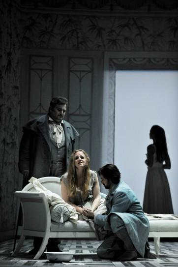 Nathalie Manfrino et le Chœur de l'Opéra-Théâtre de Metz Métropole © Philippe Gisselbrecht – Metz Métropole