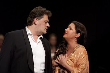 Aleksandrs Antonenko (Otello), Anna Netrebko (Desdemona) © Aline Paley  (2)