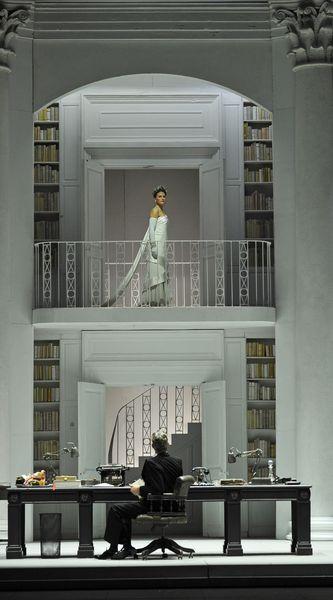 Katherine Manley (Eliza Doolittle) Alex Jennings (Henry Higgins) © Marie-Noëlle Robert - Théâtre du Châtelet
