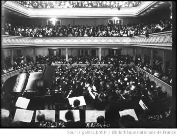 Concert de Camille Saint Saëns à la salle Gaveau. Source : Bibliothèque nationale de France