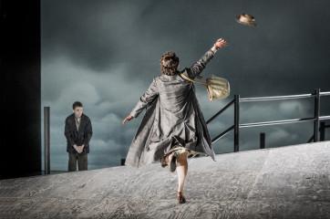 Peter Grimes - Benjamin Britten - English National Opera - 29 January 2014Peter Grimes - Stuart SkeltonEllen Orford - Elza van den HeeverBalstrode - Iain PatersonAuntie - Rebecca de Pont DaviesSwallow - Matthew BestNed Keene - Leigh MelroseBob Bol