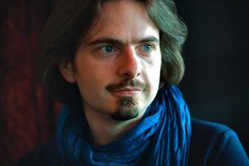 Frederic-Vaysse-Knitter1