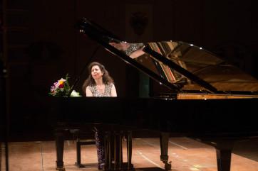 Angela Hewitt, durante il bis, l'11.7.14 all'Auditorium di San Domenico di Foligno