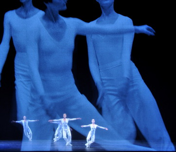LUCINDA CHILDS'S DANCE- Photo by Sally Cohn