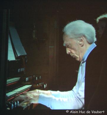 Jean Guillou aux claviers