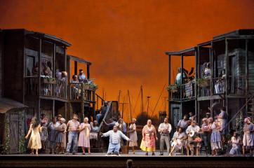 ©Luciano Romano / Teatro San Carlo (Napoli) 2012