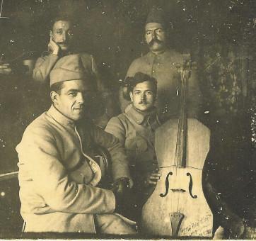 1-Les musiciens du général Mangin © Coll. Musée de la Grande Guerre – Pays de Meaux