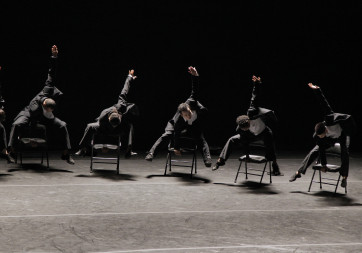 Alvin-Ailey-American-Dance-Theater-Minus-16-Ohad-Naharin-c-Paul-Kolnik