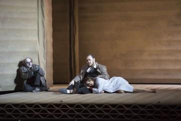 Rigoletto fait ses cartons à Bastille