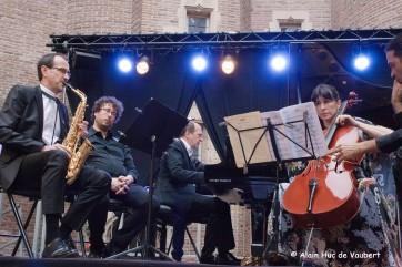 """Première audition de """"Bribes"""" de Laurent Petitgirard pour saxophone, violoncelle et piano."""