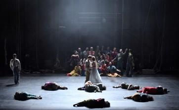 Cirque et acrobaties pour l'Alcione de l'Opéra Comique