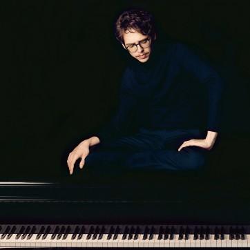 Debargue_Felix Broede Sony Classical