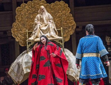 Turandot-ROH-1896 ROBIN LEGGATE AS EMPEROR ALTOUM, CHRISTINE GOERKE AS PRINCESS TURANDOT, ALEKSANDRS ANTONENKO AS CALAF (C) ROH. PHOTO BY TRISTRAM KENTON