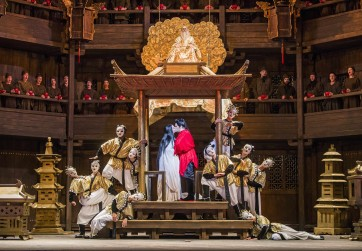 A scene from Turandot by Puccini @ Royal Opera House. Conductor, Dan Ettinger. Directed by Andrei Serban (Opening 05-07-17) ©Tristram Kenton 07-17 (3 Raveley Street, LONDON NW5 2HX TEL 0207 267 5550  Mob 07973 617 355)email: tristram@tristramkenton.com