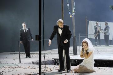 Roman Payer (Ferdinand), Carmen Seibel (Miranda), Peter Schöne (Prospero)