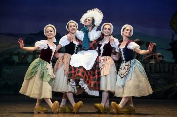 François Alu prend La Fille mal gardée à l Opéra de Paris a1996d15a27