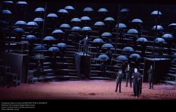 Fondazione Teatro La Fenice GIORGIO BATTISTELLI, RICHARD III Direttore: Tito Ceccherini Regia: Robert Carsen Scene e Costumi: Radu and Miruna Boruzescu Photo ©Michele Crosera