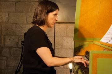 Violaine Cochard aux claviers