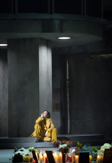 LES TROYENS - LA PRISE DE TROIE - Compositeur : Hector BERLIOZ - Direction musicale : Philippe JORDAN - Mise en scene et scenographie : Dmitri TCHERNIAKOV - Lumieres : Gleb FILSHTINSKY - Costumes : Elena ZAYTSEVA - Avec : Stephanie d OUSTRAC (Cassandre) - Le 12 01 2019 - A l Opera Bastille - Photo : Vincent PONTET
