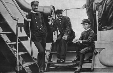 Albert-Roussel-M-Georges-Blanchon-M-Gabriel-Grovlez-sur-le-pont-du-Melpomene-vers-1894-Revue-Musica-no-137-Fevrier-1914©INHA