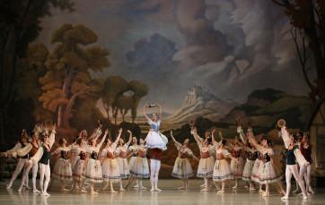 Giselle by Natasha Razina © State Academic Mariinsky Theatre (1) - copie