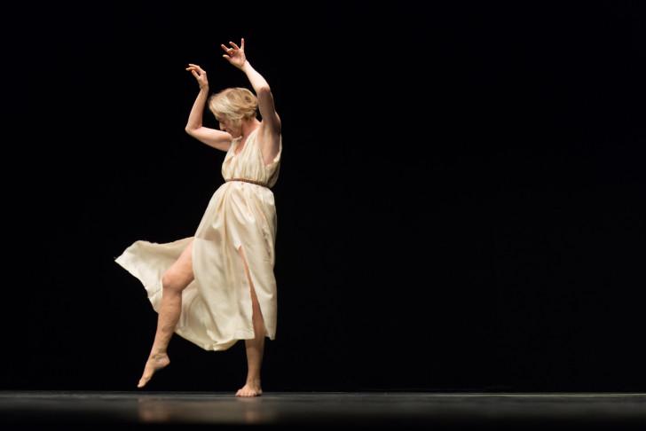 Jérôme-Bel-Isadora-Duncan-Deutsches-Theater-©-Tanz-im-August-HAU-Hebbel-am-Ufer-Foto-Camille-Blake-2019-4
