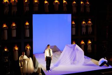 les pecheurs de perle, opera de bizet mis en scene par eric perez au chateau de castelnau