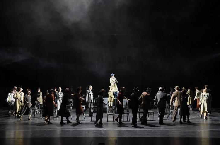 Opernchor des Saarländischen Staatstheaters; Ensemble   Foto: Martin Kaufhold