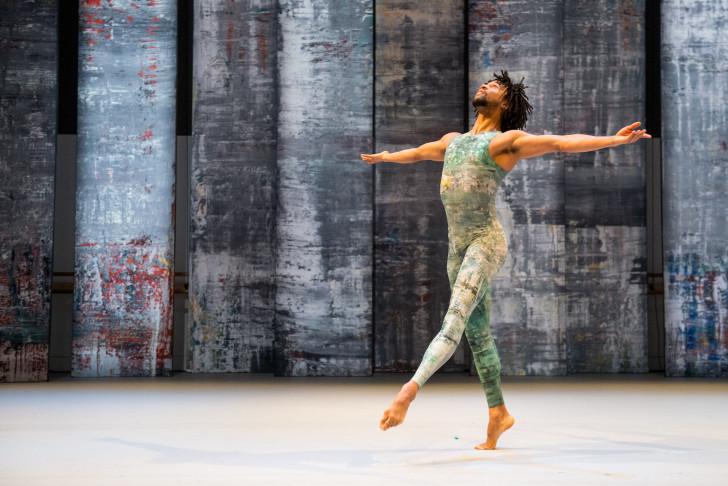 Ballet Rambert - Miguel Altunaga. ∏Tony Nandi