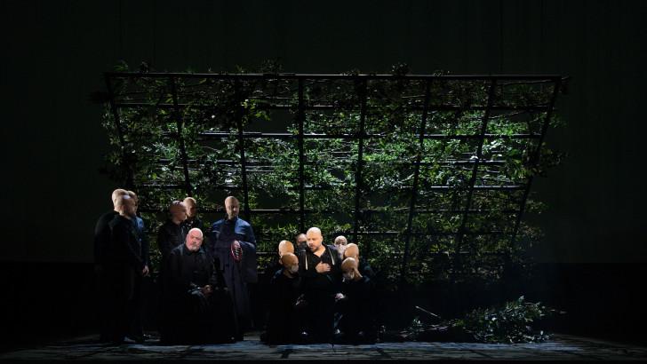 1 - Parsifal - Peter Rose (Gurnemanz), Matthias Goerne (Amfortas) - crédit Cosimo Mirco Magliocca