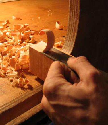Atelier-Lutherie-artisanat-Violon-construction-zoom_format_580x670