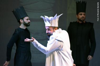 Rigoletto, Alan Starovoitov, le roi blanc