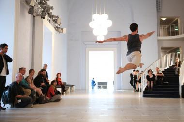 Boris Charmatz, 20 danseurs pour le XXème siècle © Anja Beutler