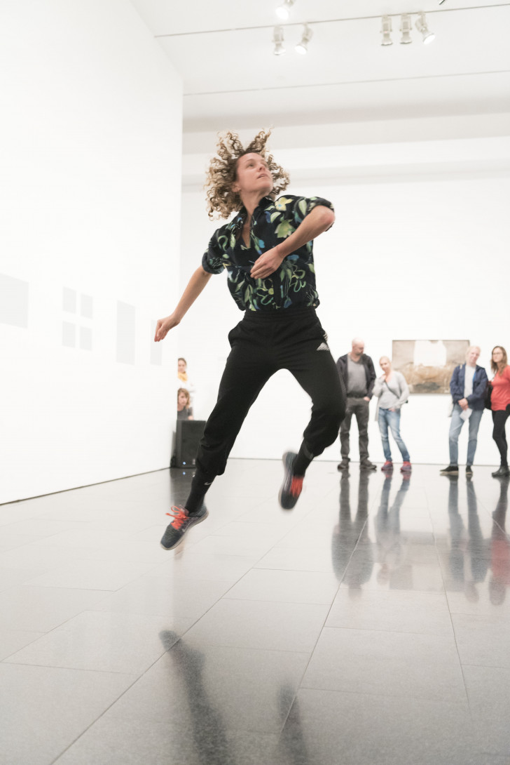Boris Charmatz, 20 danseurs pour le XXème siècle - Jacquelyn Elder © Anna Fabrega