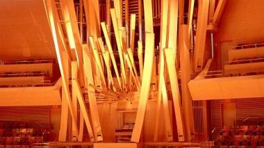 walt-disney-hall-organ-angle-fr